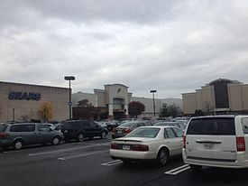 """Deptford Mall southeast entrance"" by Dough4872. CC BY-SA 3.0 via Commons."